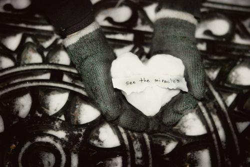 Mittens-heart-snowball-s